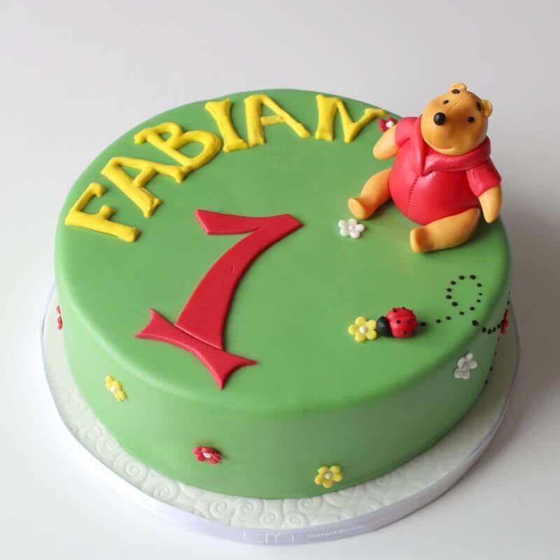 Modellierte figuren torte haus brink for Winnie pooh kuchen deko